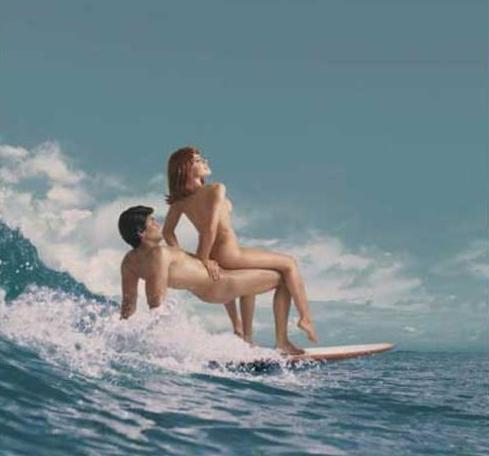 【おっぱい】露出狂状態で波乗りを愉しんじゃってる女子サーファーのおっぱい画像集【80枚】 76