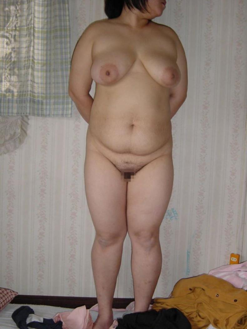 【おっぱい】この熟女巨乳が人のものだと思うと興奮が止まらなくなる人妻おっぱい画像集【90枚】 27