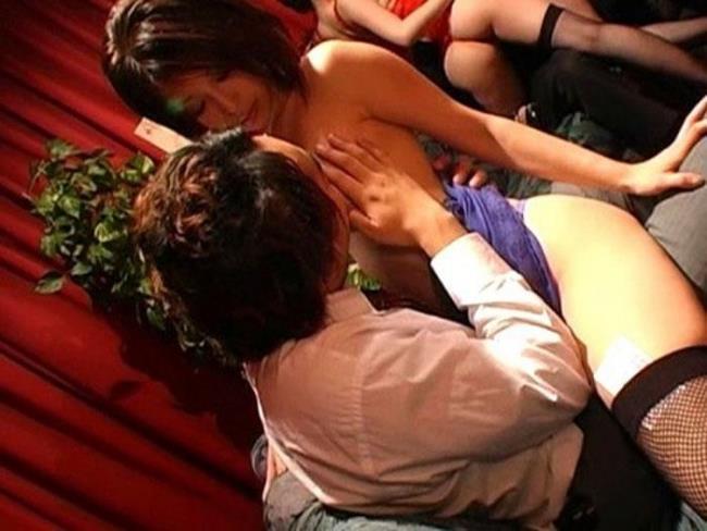 【おっぱい】セクキャバ行ってキャストのむっちり巨乳揉んで乳首吸いまくってやったセクキャバおっぱい画像集【80枚】 41