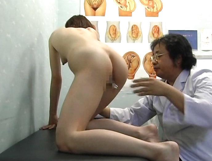 【おっぱい】ロリな乳首に聴診器当ててセクハラ触診したり巨乳痴女の女医がフェラししてる大人のお医者さんごっこのおっぱい画像集【80枚】 24