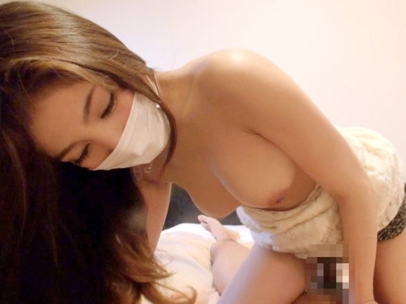 【おっぱい】顔は隠れてても乳首もおまんこも丸出しでハメ撮りされちゃってるマスク女子のおっぱい画像集【80枚】 47