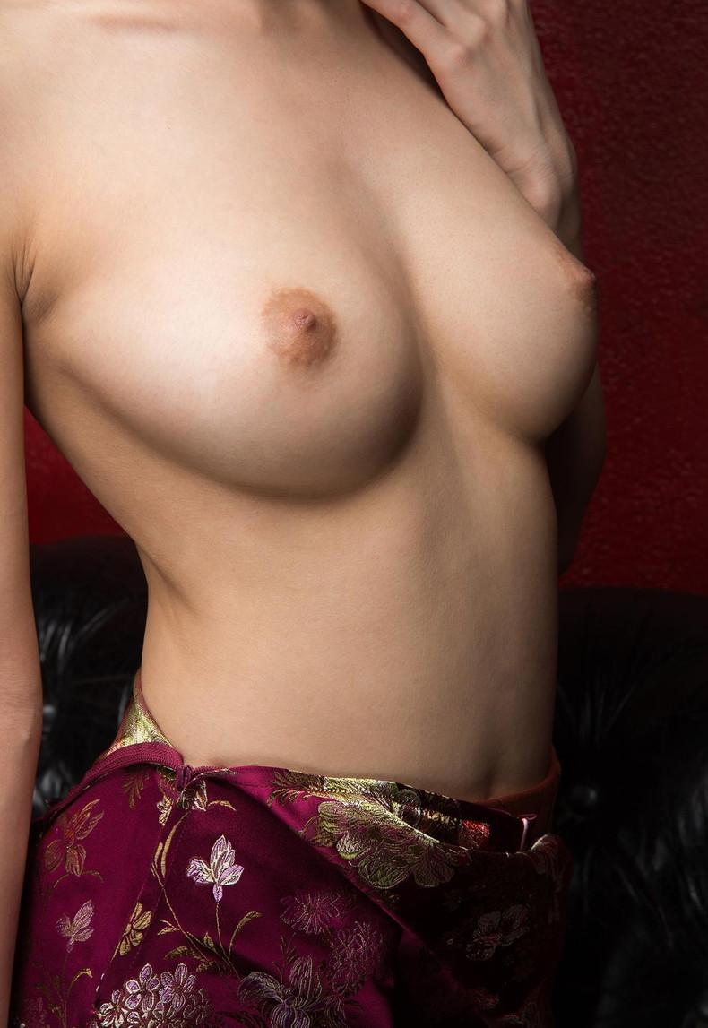【おっぱい】巨乳とくびれと美尻がパツパツでスリットがソソられまくるチャイナドレスのおっぱい画像集【80枚】 36