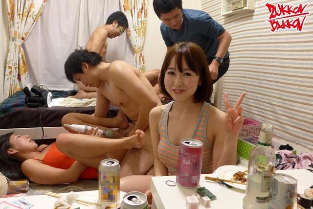 【おっぱい】OLやJDやJKの女子寮のお風呂を盗撮したり乱交パーティーしちゃった女子寮おっぱい画像集【80枚】 19