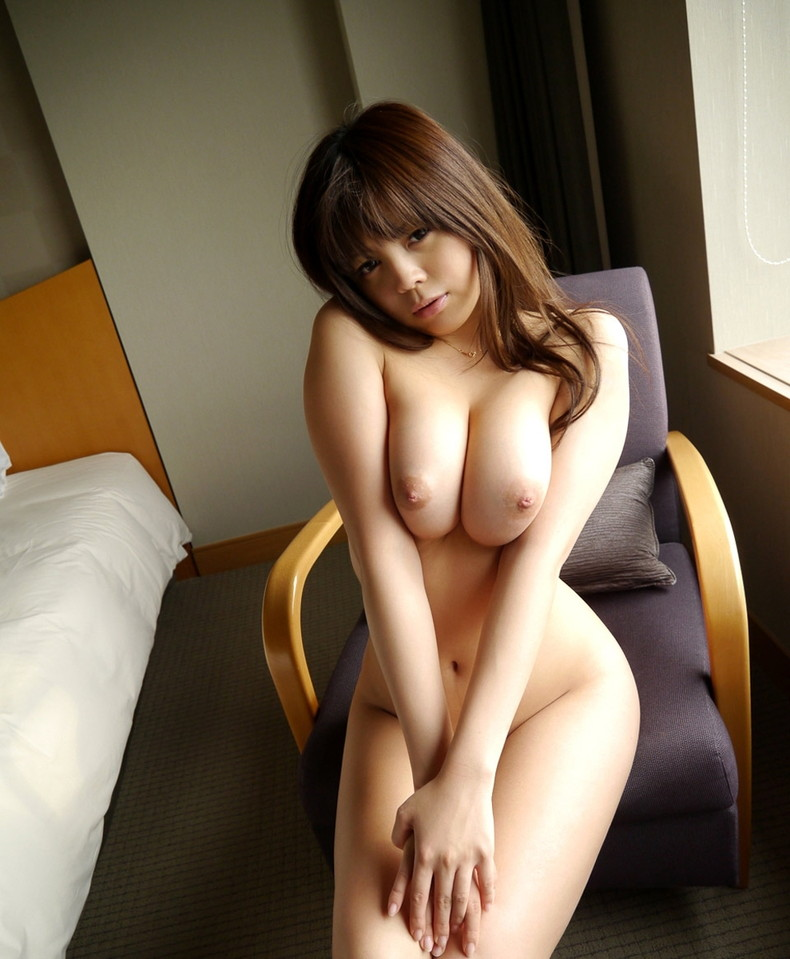 【おっぱい】巨乳ギャルが軽い上目遣いで寄せ乳してくれるとガマンできなくなる寄せ乳おっぱい画像集!【80枚】 01