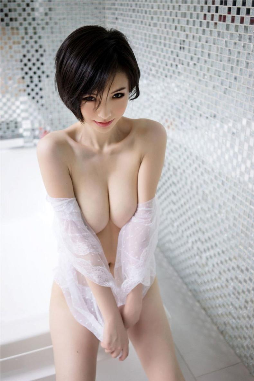 【おっぱい】巨乳ギャルが軽い上目遣いで寄せ乳してくれるとガマンできなくなる寄せ乳おっぱい画像集!【80枚】 73