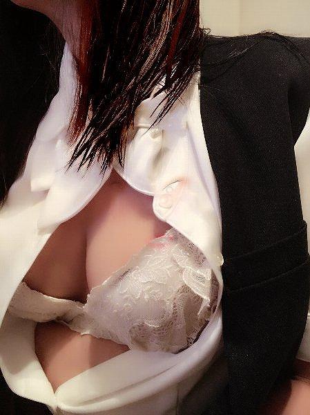 【おっぱい】夜の仕事もお願いしたい!巨乳OL達がオフィスやラブホでおっぱい露出しちゃってるOLおっぱい画像集【80枚】 57