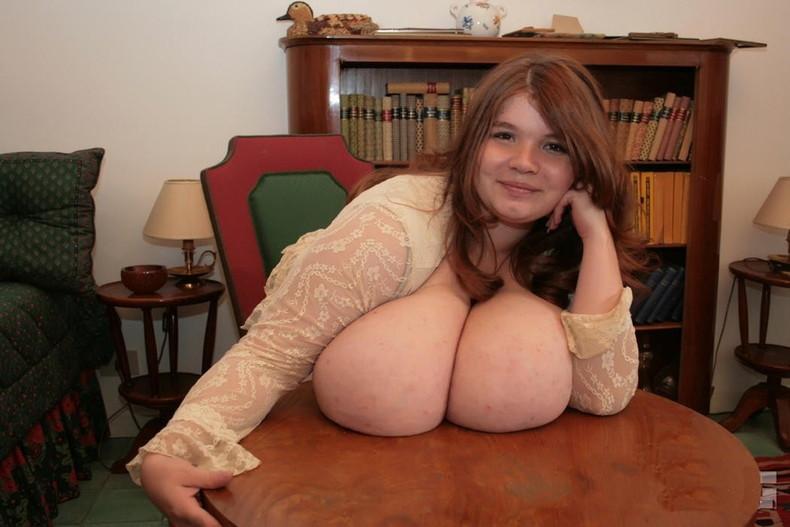 【おっぱい】巨乳爆乳を超えて超乳、それを更に超えて怪乳レベルに成長しちゃった怪乳おっぱい画像集ww【80枚】 26