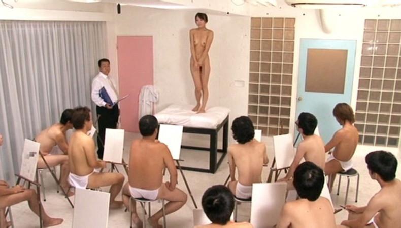 【おっぱい】デッサンモデルでスタイル抜群美女のおっぱいやおまんこ見放題のデッサンおっぱい画像集【80枚】 33