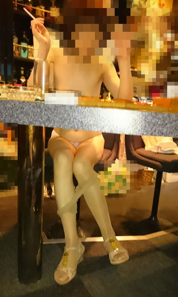 【おっぱい】常連になれば抜いてくれるかもしれない巨乳熟女なスナックママのおっぱい画像集【80枚】 19
