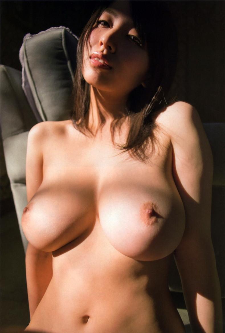 【おっぱい】ロングヘアーの美女たちが美巨乳を露出して時に長髪でおっぱいが見え隠れしちゃってるロングヘアーおっぱい画像集【80枚】 17