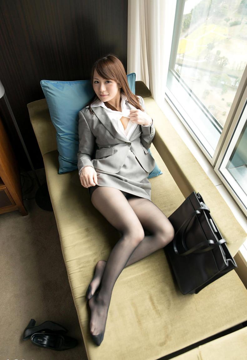 【おっぱい】インテリでデキる女、でも従順でスーツがエロ過ぎる秘書のおっぱい画像集【80枚】 63