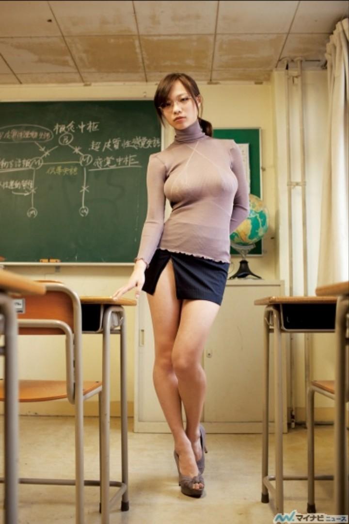 【おっぱい】タートルネックのニットの巨乳娘がパツパツ過ぎてブラ線や着衣巨乳の形が丸わかりなタートルネックのおっぱい画像集ww【80枚】 59