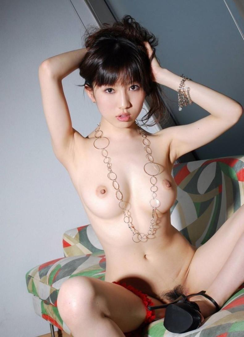 【おっぱい】乳首上向きで美巨乳の釣鐘型おっぱいが理想的過ぎて即パイズリしたくなる釣鐘型のおっぱい画像集ww【80枚】 40