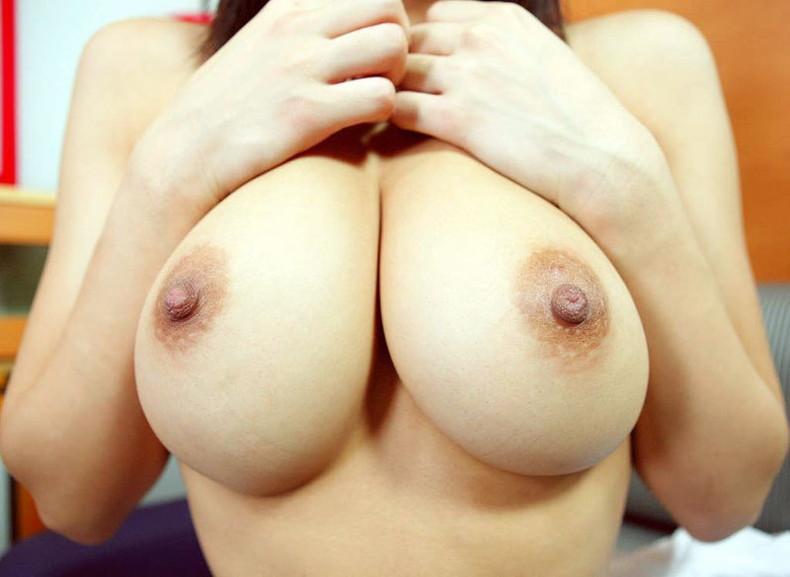 【おっぱい】乳首上向きで美巨乳の釣鐘型おっぱいが理想的過ぎて即パイズリしたくなる釣鐘型のおっぱい画像集ww【80枚】 67