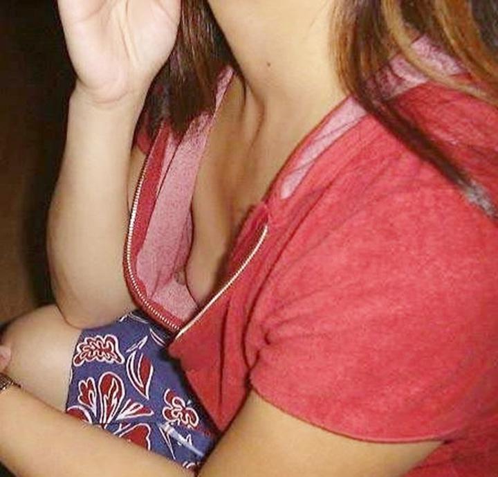 【おっぱい】温泉や脱衣所、自宅セックスや胸チラを隠し撮りさせていただいた素人娘や人妻たちの盗撮おっぱい画像集ww【80枚】 28