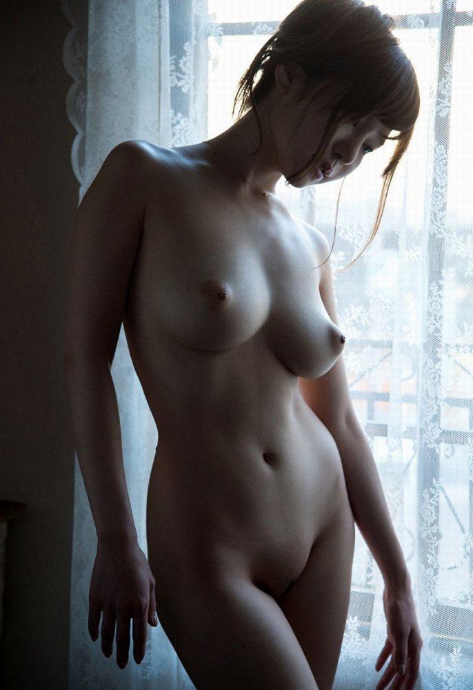 【おっぱい】可愛くて超巨乳でクビレがバッチリという天から3物を与えられたハイスペック娘のおっぱい画像集ww【80枚】 17