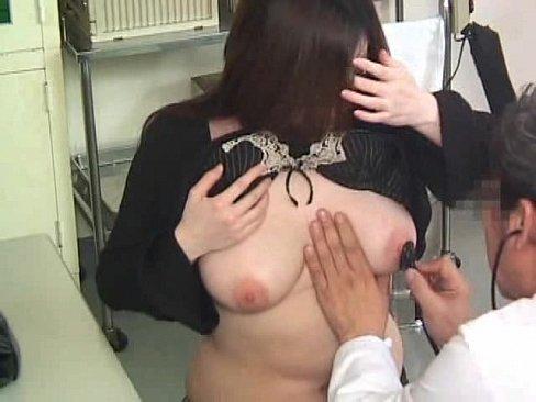 【おっぱい】内科や婦人科に診察に来たOLや巨乳な人妻たちが乳首弄られ寝取られ放題の診察おっぱい画像集ww【80枚】 36