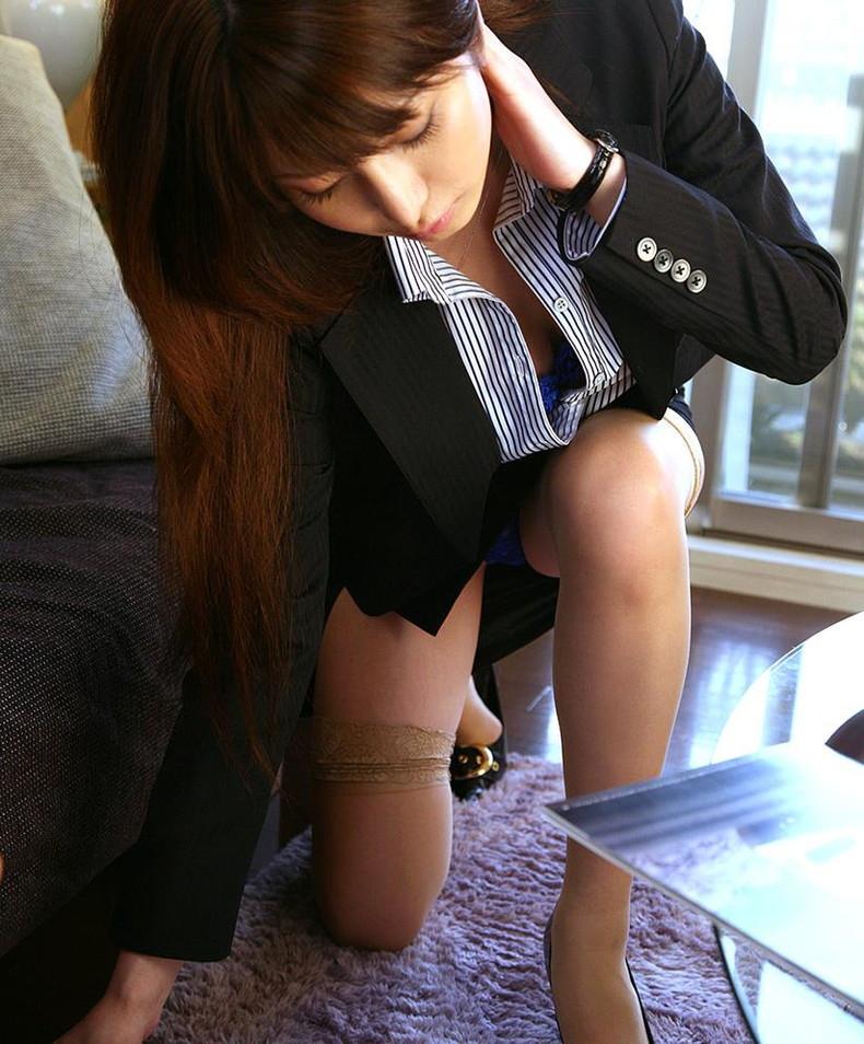 【おっぱい】キャリアウーマンOLたちのスーツを脱がせて美乳を揉みまくって枕営業したったキャリアウーマンのおっぱい画像集ww【80枚】 12