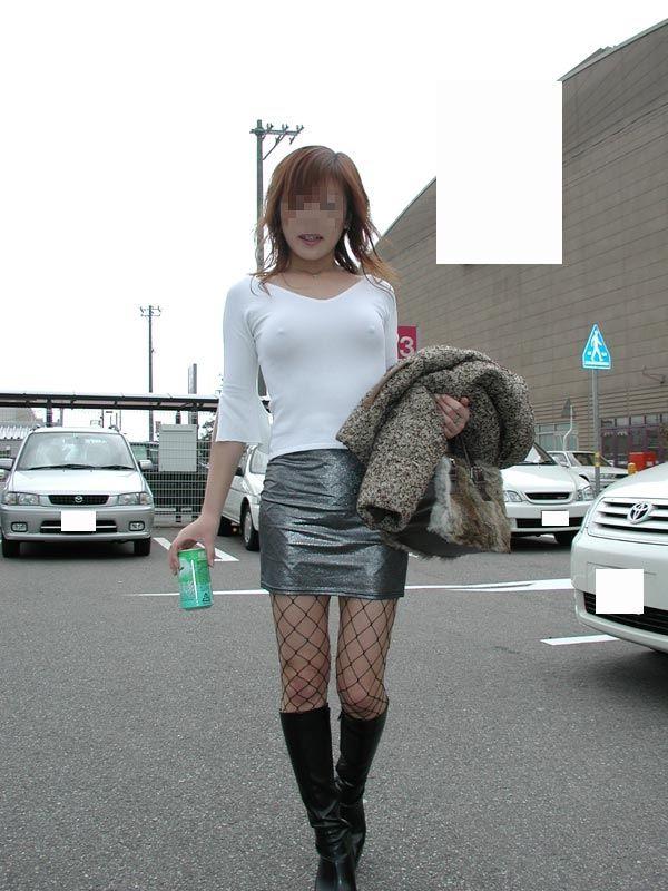 【おっぱい】素人娘がノーブラチクポチ状態で自撮りしたり盗撮されちゃってるチクポチおっぱい画像集ww【88枚】 63