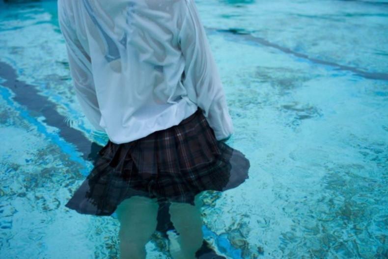 【おっぱい】通学中の制服JKや体操服のJKが雨で濡れ透け状態になって透けブラ、透け乳首しちゃってる濡れ透けJKのおっぱい画像集w【80枚】 29