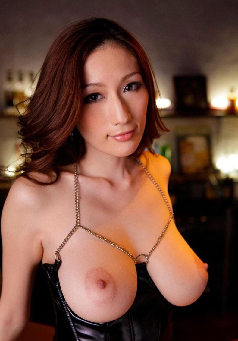 【おっぱい】美しいピンク乳首!ちょうど良い巨乳!一生に一度は揉んでみたい神乳おっぱい画像集ww【80枚】 01