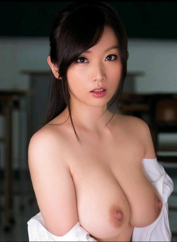 【おっぱい】美しいピンク乳首!ちょうど良い巨乳!一生に一度は揉んでみたい神乳おっぱい画像集ww【80枚】 07