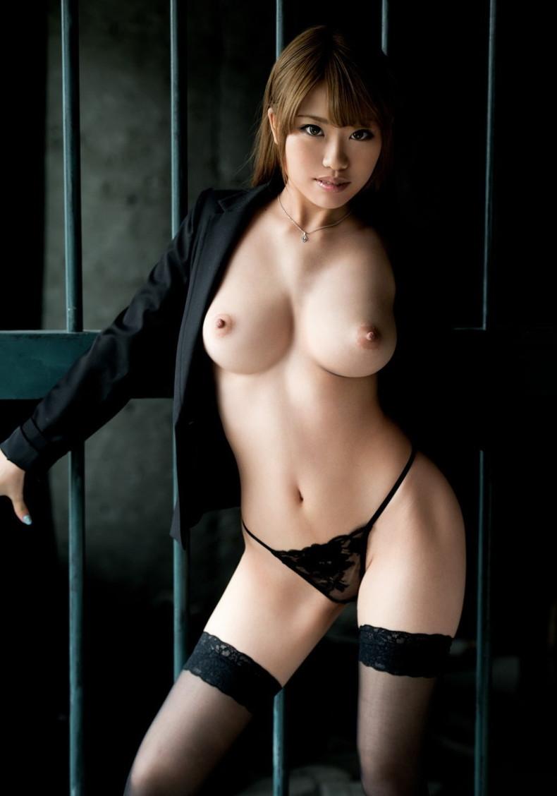 【おっぱい】美しいピンク乳首!ちょうど良い巨乳!一生に一度は揉んでみたい神乳おっぱい画像集ww【80枚】 30