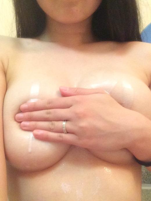 【おっぱい】素人娘が自慢のピンク乳首や美乳を露出して自撮り画像を晒しちゃった後悔必至の自撮りおっぱい画像集ww【80枚】 06