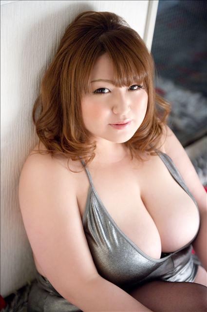 【おっぱい】ブス巨乳の女子がカワイく見えてきて勃起してきたら合格!wwご奉仕大好きブスカワ巨乳女子のおっぱい画像集!【80枚】 70