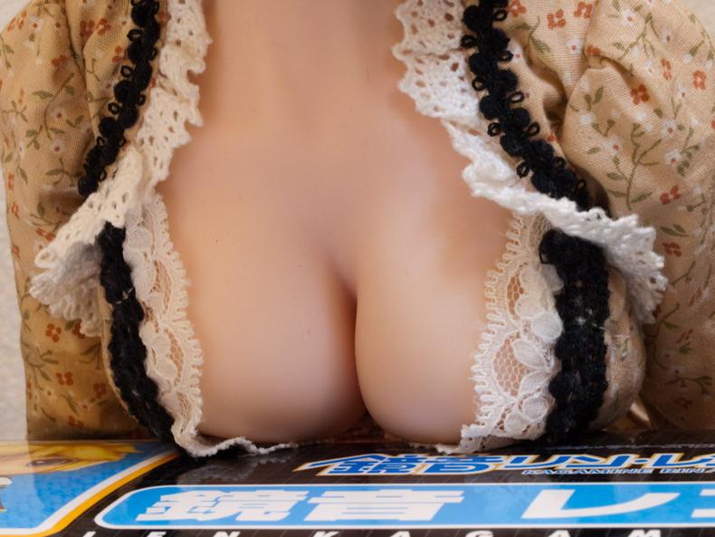【おっぱい】スライムおっぱいの爆乳娘が自慢の爆乳を机やバスタブに乗っけて休憩してる乗せパイおっぱい画像集ww【80枚】 76