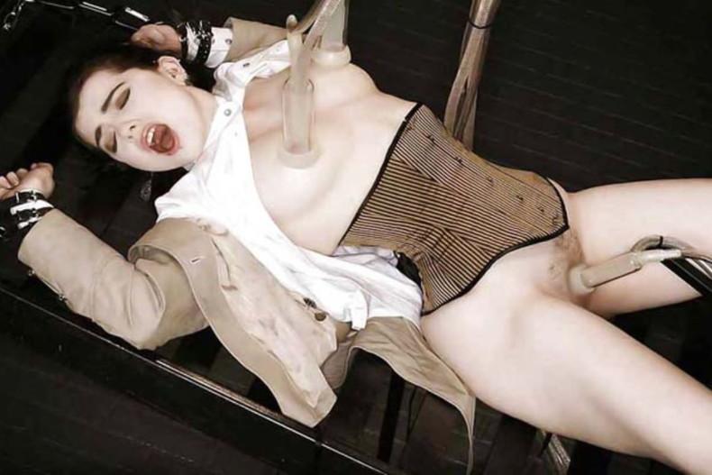 【おっぱい】吸引器や搾乳マシーンで美女のおっぱいを吸いまくっていびつな形にしちゃった吸引おっぱい画像集ww【80枚】 50