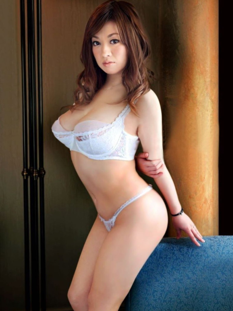 【おっぱい】セクシーランジェリーのS級美女たちが着衣巨乳や透け乳首で自慢の美乳をチラ見せしてるセクシーランジェリーのおっぱい画像集ww【80枚】 42