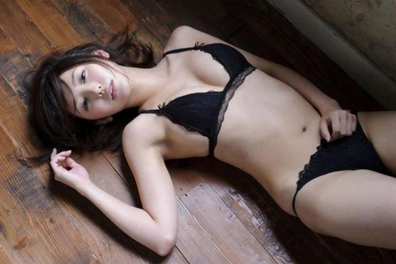 【おっぱい】セクシーランジェリーのS級美女たちが着衣巨乳や透け乳首で自慢の美乳をチラ見せしてるセクシーランジェリーのおっぱい画像集ww【80枚】 44
