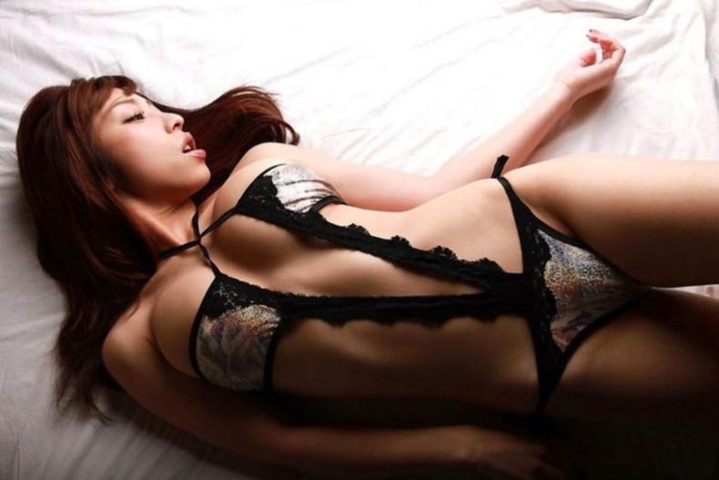 【おっぱい】セクシーランジェリーのS級美女たちが着衣巨乳や透け乳首で自慢の美乳をチラ見せしてるセクシーランジェリーのおっぱい画像集ww【80枚】 50