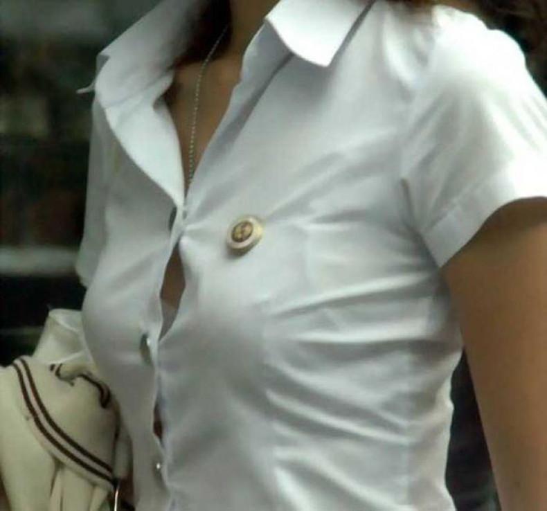 【おっぱい】ボタンがはち切れそうな白シャツ制服のJKや巨乳OLのブラウス娘とハメ撮りしたりブラウスの胸チラを盗撮しちゃったブラウスおっぱい画像集w【80枚】 40