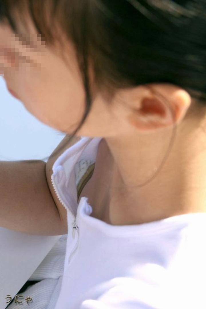 【おっぱい】貧乳も巨乳もブラジャー浮いてて乳首がチラ見え!ブラのサイズ間違い胸チラどころかチクチラしてる浮きブラおっぱい画像集!ww【80枚】 19