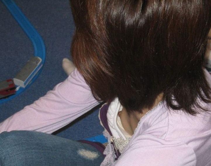 【おっぱい】貧乳も巨乳もブラジャー浮いてて乳首がチラ見え!ブラのサイズ間違い胸チラどころかチクチラしてる浮きブラおっぱい画像集!ww【80枚】 71