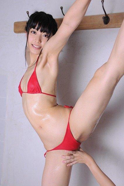 【おっぱい】全裸でY字開脚やセルフマンぐり返ししてくれてる超変態な軟体女子のおっぱい画像集!ww【80枚】 70