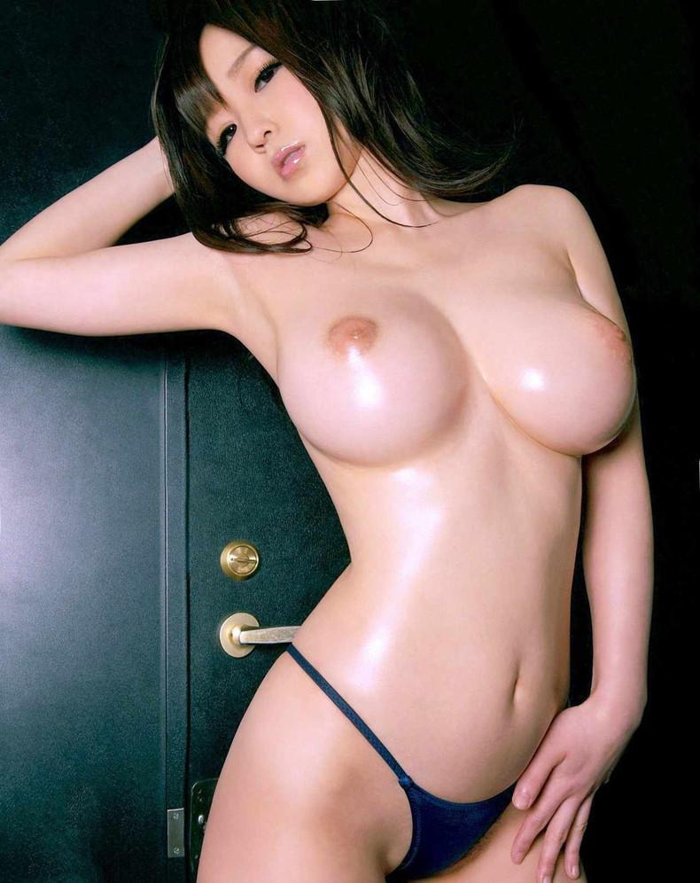 【おっぱい】ローションまみれの巨乳を揉んだら指の間から乳首がにゅるんと逃げていく!ローションおっぱい画像集!w【80枚】 25