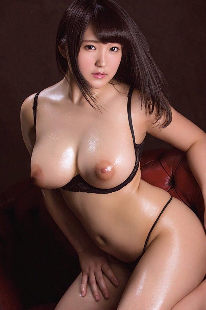 【おっぱい】ローションまみれの巨乳を揉んだら指の間から乳首がにゅるんと逃げていく!ローションおっぱい画像集!w【80枚】 74