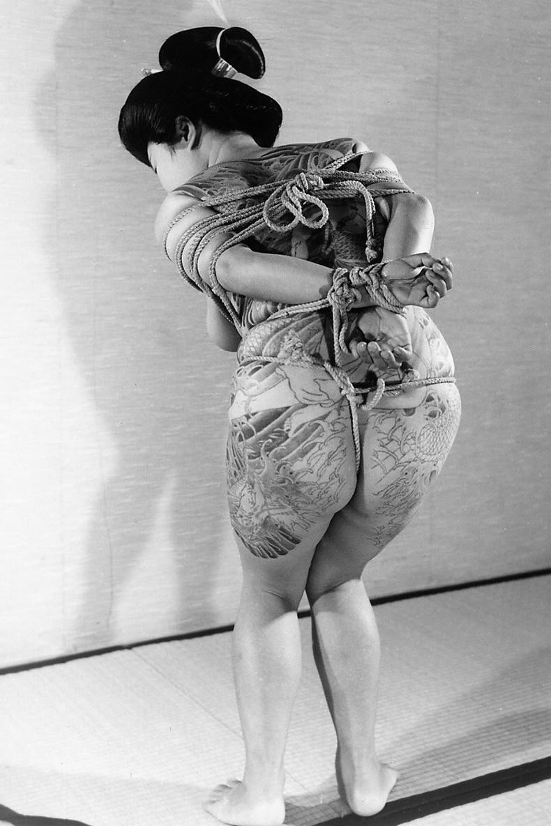 【おっぱい】イマドキのパリピギャルやヤンキー娘たちが美ボディのタトゥーと美乳を同時に披露してくれてるタトゥーおっぱい画像集!w【80枚】 80