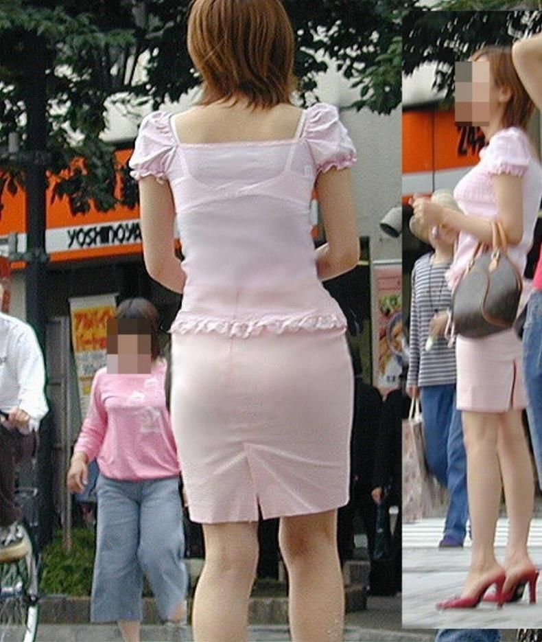 【おっぱい】街中でブラジャー透けてる薄着の素人女子を視姦して盗撮したったブラ透けおっぱい画像集www【80枚】 26