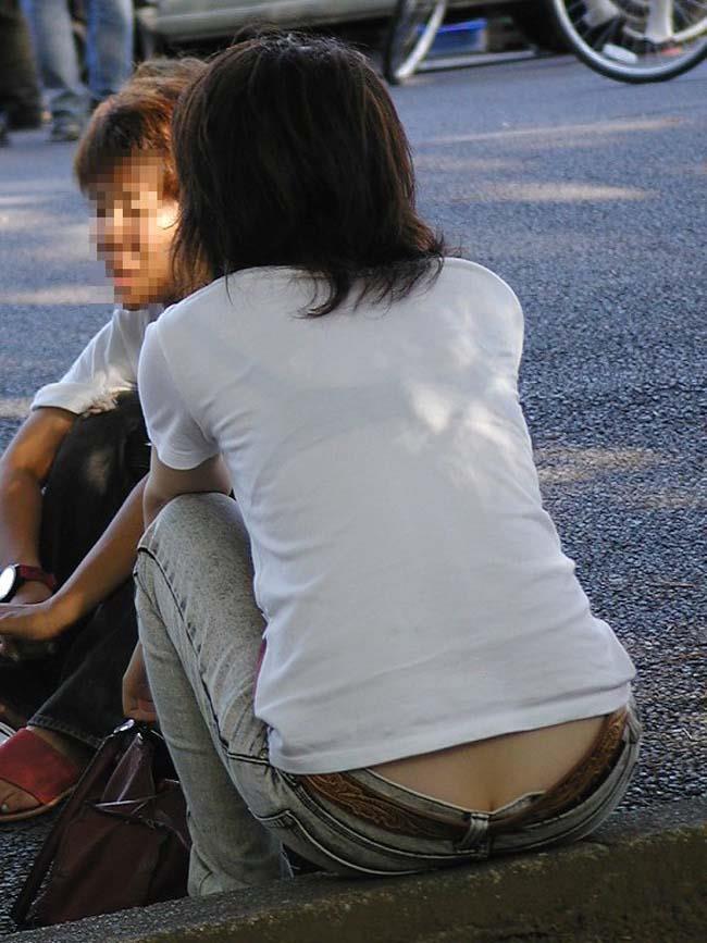 【おっぱい】街中でブラジャー透けてる薄着の素人女子を視姦して盗撮したったブラ透けおっぱい画像集www【80枚】 32