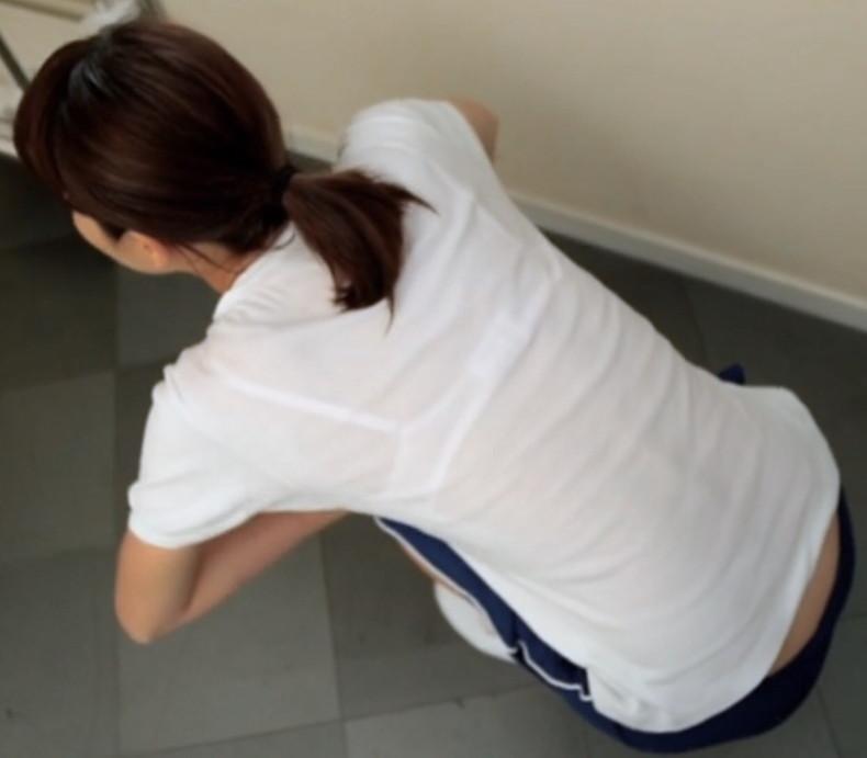 【おっぱい】街中でブラジャー透けてる薄着の素人女子を視姦して盗撮したったブラ透けおっぱい画像集www【80枚】 69