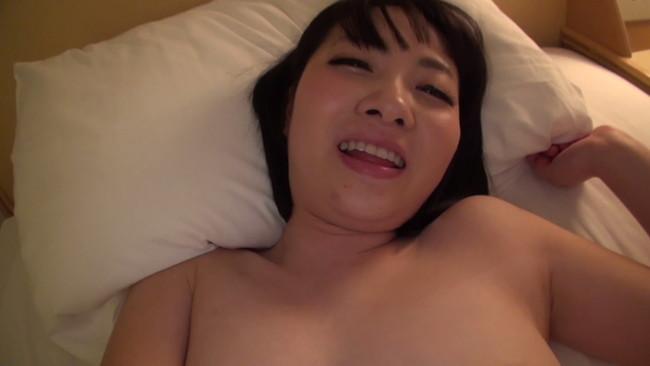 【おっぱい】ショートカットがお似合いの色白美肌美人!激しいセックスにイキまくってしまう若妻さんのおっぱい画像がエロすぎる!【30枚】 20
