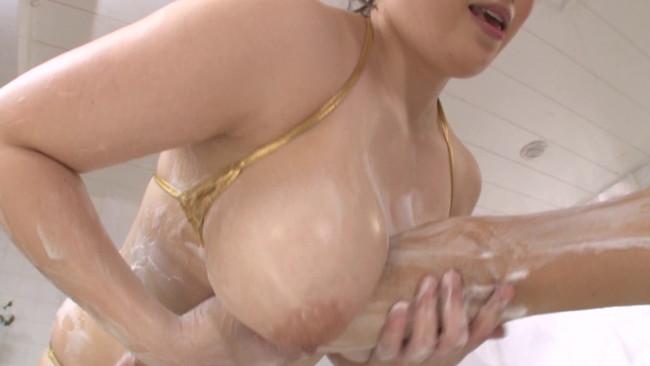 【おっぱい】張りのある巨乳・巨尻ソープ嬢たちが圧迫肉感プレイでおもてなし!爆乳爆尻の肉感溢れるソープ嬢たちのおっぱい画像がエロすぎる!【30枚】 29