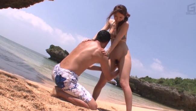 【おっぱい】南の島の楽園のビーチで解放感溢れる大胆な気持ちイイSEXを繰り広げる美女たちのおっぱい画像がエロすぎる!【30枚】 10