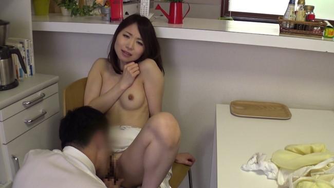 【おっぱい】自宅で愚痴聞き屋に中出しセックスをせがむ美人な人妻さんたちのおっぱい画像がエロすぎる!【30枚】 18