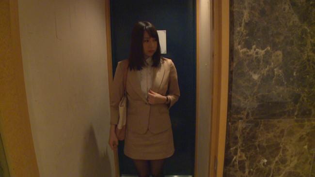 【おっぱい】柔らかなおっぱいが魅力的でいろいろなコスプレで魅了してくれるグラビアアイドル・吉田早希ちゃんのおっぱい画像がエロすぎる!【30枚】