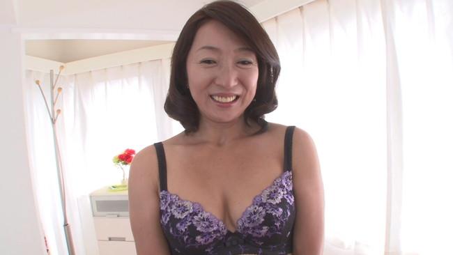 【おっぱい】自分が女であることをもう一度実感してみたいとAV出演を懇願してきた熟女な人妻さんのおっぱい画像がエロすぎる!【30枚】 30